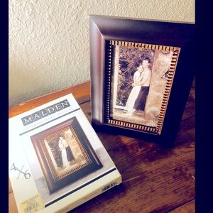 Brown Border Picture Frame, 4x6